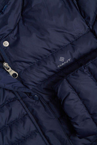 KABÁT GANT D1. LIGHT DOWN COAT