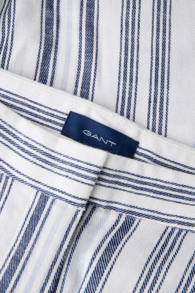 ŠORTKY GANT O2. STRIPED LINEN SHORTS